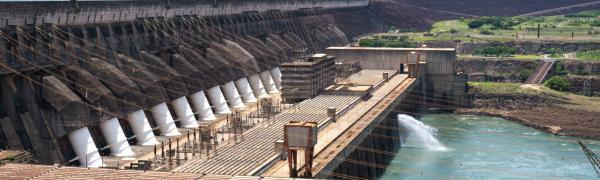Seawater dam for renewable energy
